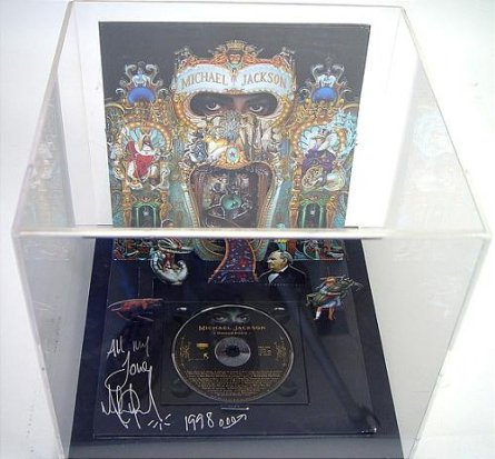 Michael Jackson: Dangerous Collectors Edition