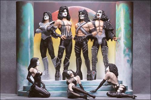 Kiss - Spawn toys