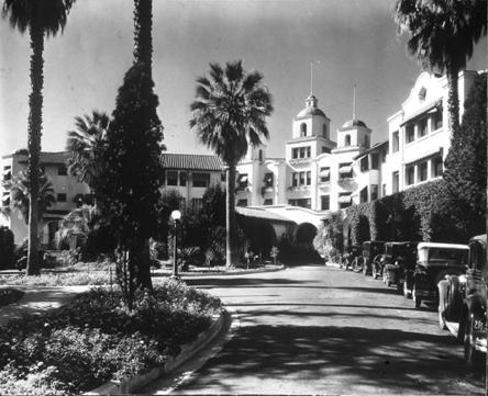 beverly_hills_hotel_1925.jpg
